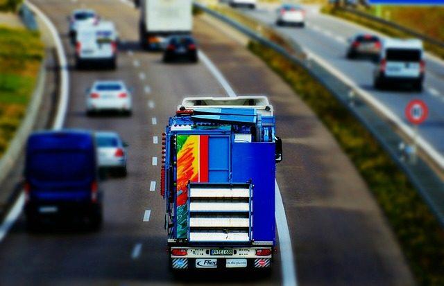 """Transportistas denuncian la """"caída de la inversión en las carreteras europeas"""